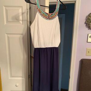 Charming Charlie maxi dress 👗 size medium!